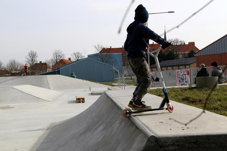 Child skating at Nakskov Skatepark